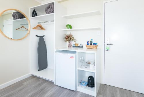A kitchen or kitchenette at ibis Styles Port Macquarie