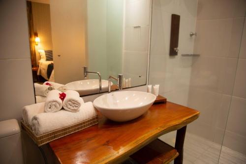 A bathroom at Pousada Vila Sagui