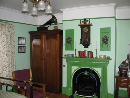 The lobby or reception area at Gower Manor Historic Bed & Breakfast
