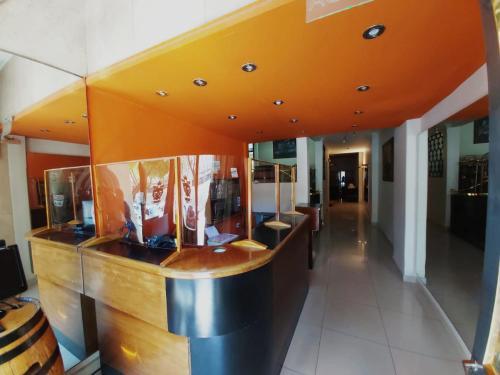 La sala de estar o bar de Hotel Ariosto