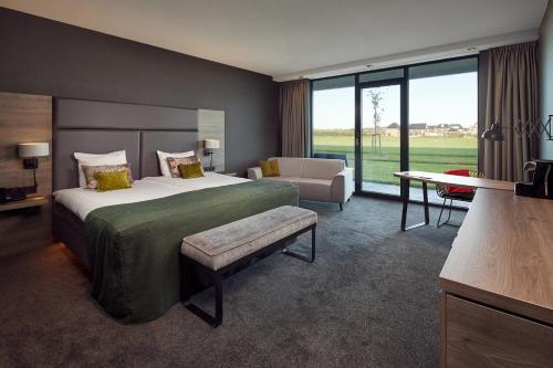 A room at Van der Valk Hotel Leeuwarden