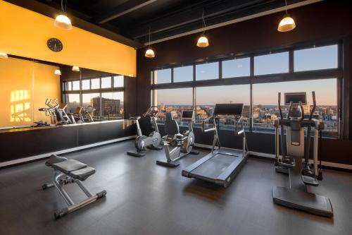 The fitness center and/or fitness facilities at Four Points by Sheraton Barcelona Diagonal