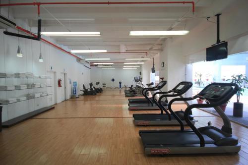 Das Fitnesscenter und/oder die Fitnesseinrichtungen in der Unterkunft Galeria Plaza Veracruz By Brisas