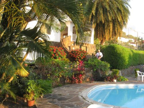 The swimming pool at or near Tamarin Chambres d'Hotes