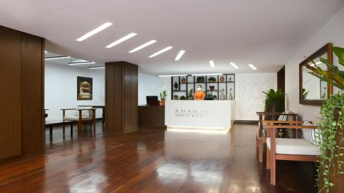 The lobby or reception area at Amanjaya Pancam Suites Hotel