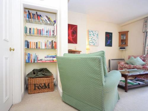 A seating area at Pepper Pot Cottage