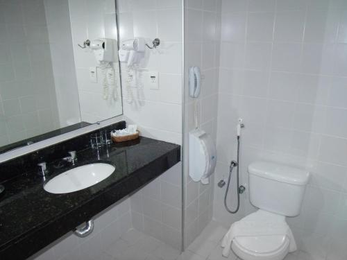 A bathroom at Catussaba Resort Hotel