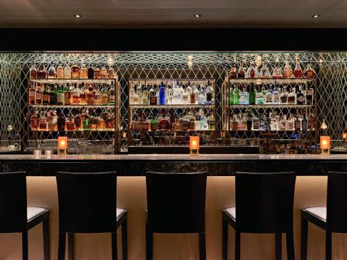 The lounge or bar area at Pullman Cologne