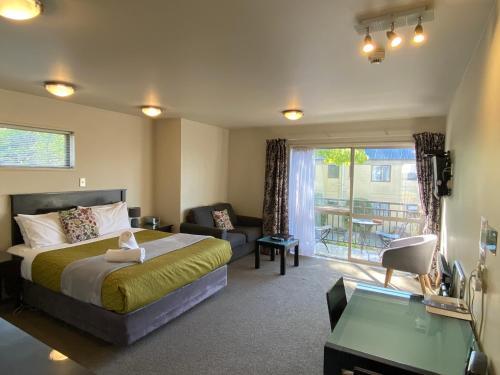 A room at Delago Motel/Apartments