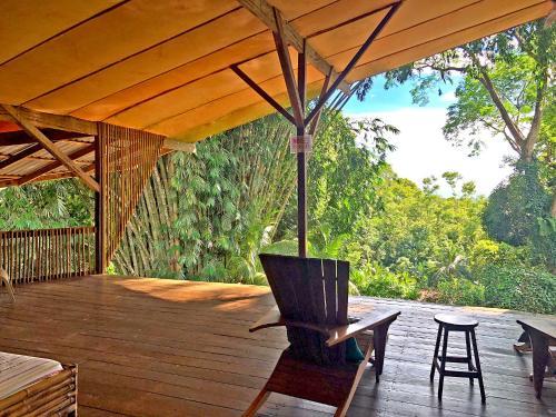 Een patio of ander buitengedeelte van Cascada Verde Hostel
