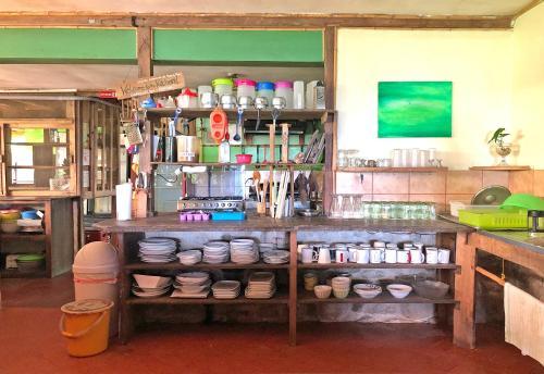El salón o zona de bar de Cascada Verde Hostel