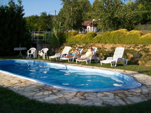 Bazén v ubytování Apartman Panoráma nebo v jeho okolí