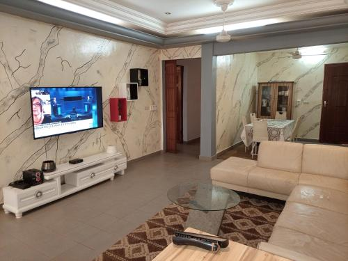 villa de 03 chambres salon à Ouaga 2000