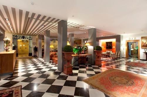 Hall o reception di Hotel Doña María