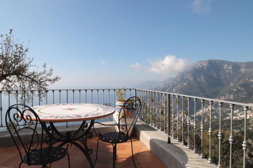 Balcone o terrazza di Villa Casola B&B