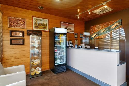 The lobby or reception area at Stagecoach Motel Wodonga