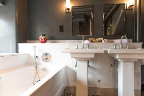 A bathroom at The Lygon Arms Hotel