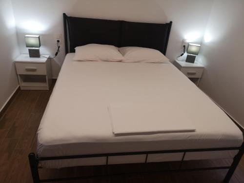A bed or beds in a room at CasaDiNova2