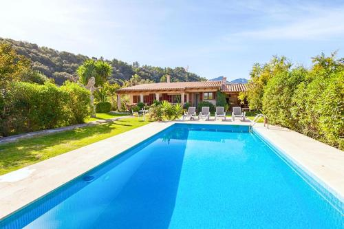 Villa in Pollenca Sleeps 4 includes Swimming pool and Air Con