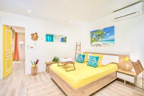 Foyal Suites