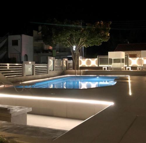 Бассейн в Galaxy City Hotel или поблизости