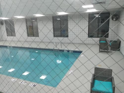 The swimming pool at or close to Wingate by Wyndham Atlanta Galleria/ Ballpark