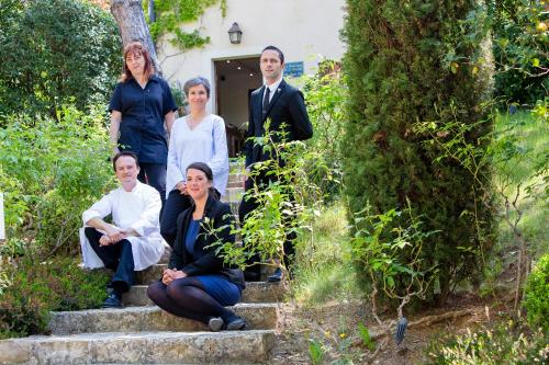 A family staying at La Bastide De Moustiers - Les Collectionneurs