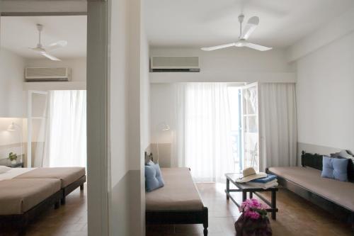 A seating area at Kamari Beach Hotel