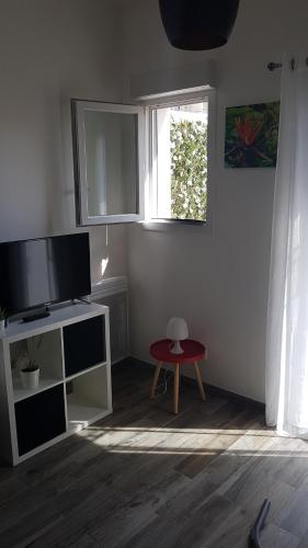 A television and/or entertainment centre at SORELLA