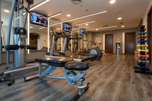The fitness center and/or fitness facilities at Hotel Ciudad de David