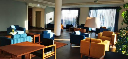 A área de bar ou lounge em Belmonte Sinai Hotel