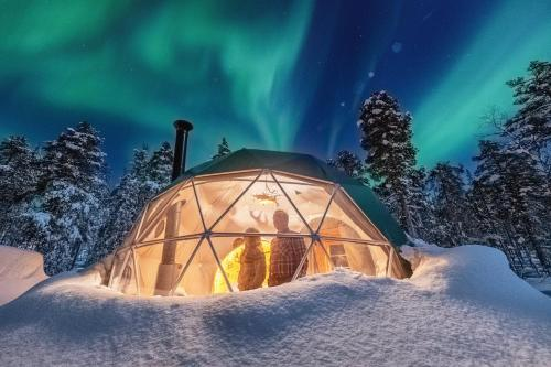 Jeris Aurora Dome during the winter