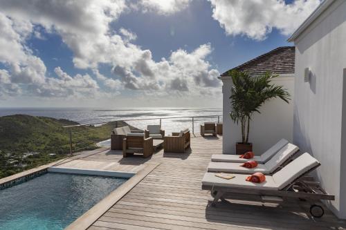 Villa La Vue - Stunning view & heated pool