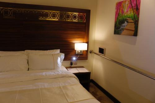 Cama ou camas em um quarto em Central Park Hotel Bisha فندق سنترال بارك بيشة