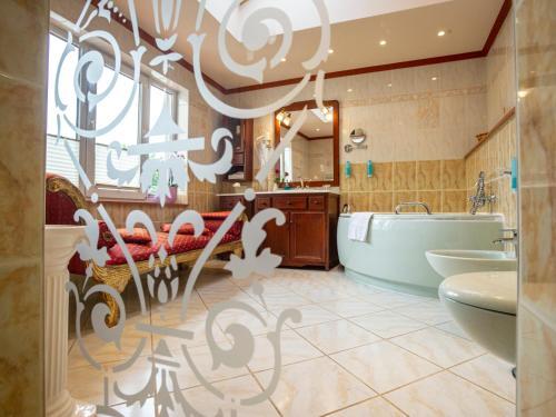 A bathroom at Hotel Don Giovanni