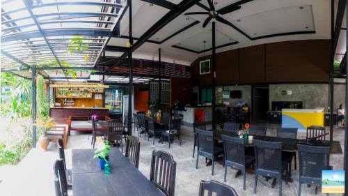 Lounge oder Bar in der Unterkunft The Breeze
