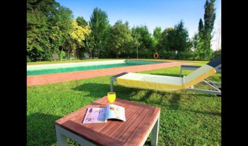 The swimming pool at or near Sant Andreu Salou Villa Sleeps 4 with Pool