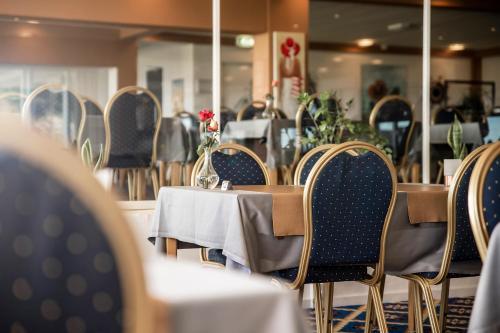 En restaurant eller et andet spisested på Hotel Marina