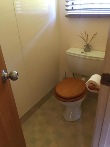 A bathroom at Aotea Eco Bungalows