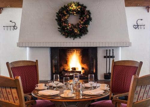 A restaurant or other place to eat at Christiania Lodge, a Destination by Hyatt Hotel