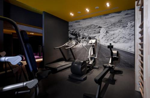 The fitness center and/or fitness facilities at KPM Hotel & Residences