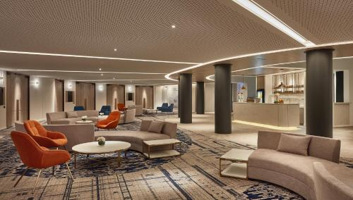 A seating area at Crowne Plaza Melbourne, an IHG Hotel