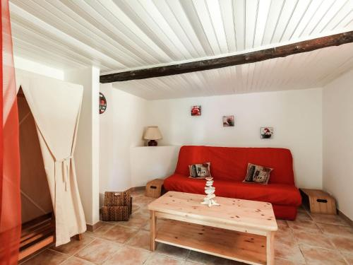 A seating area at Pretty Holiday Home in Berre-les-Alpes with Garden