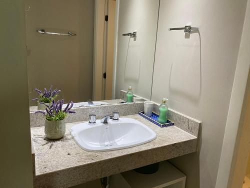 A bathroom at APARTAMENTO CLOC MARINA RESIDENCE