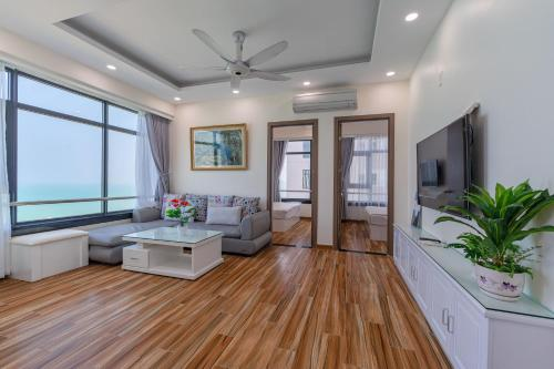 A seating area at HighSea Nha Trang Apartments