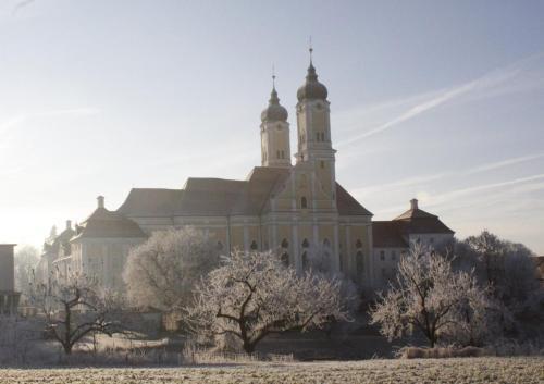 Klostergasthof Roggenburg during the winter