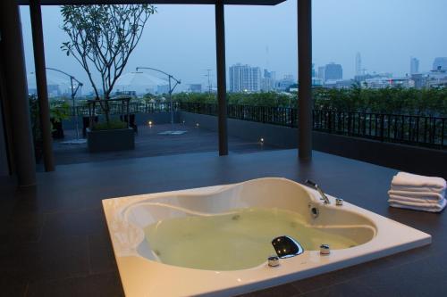 A bathroom at iSanook Bangkok