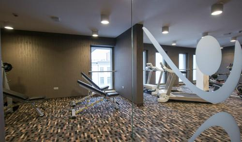 The fitness center and/or fitness facilities at Holiday Inn Krakow City Centre, an IHG Hotel