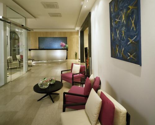 Гостиная зона в Design Merrion Hotel