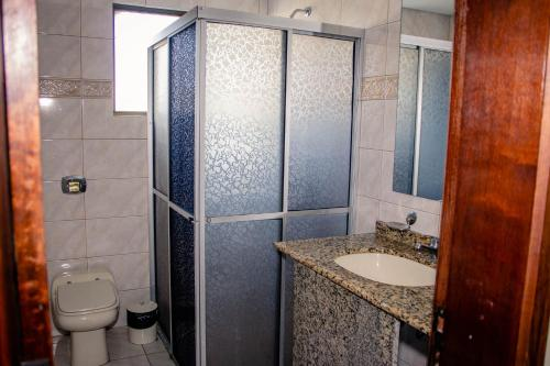 A bathroom at Hotel Letto Caxias